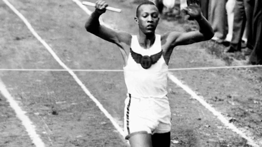 jesse owens pictures in color jesse owens setting the 200 meter olympic record at the jesse pictures in owens color