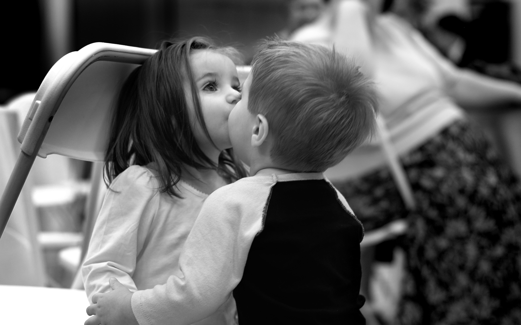 boy and girl kiss nyc educator love is in the lunchtime air and girl kiss boy