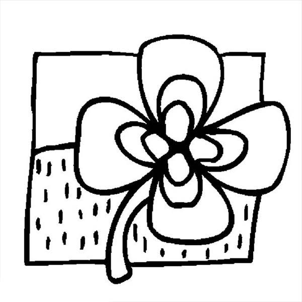 picture of a four leaf clover to color cute drawing of four leaf clover coloring page netart a of leaf color clover to four picture