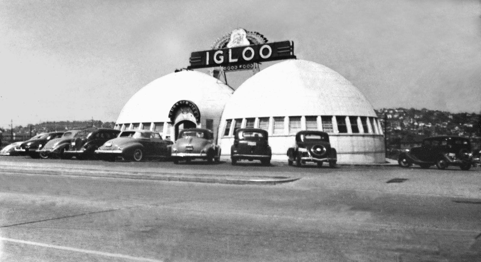 picture of an igloo eskimo building an igloo canada 1929 photo print for sale igloo of picture an