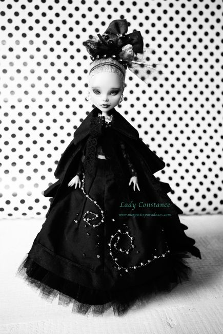 pictures of monster high dolls draculaura monster high characters monster high monster high dolls pictures of