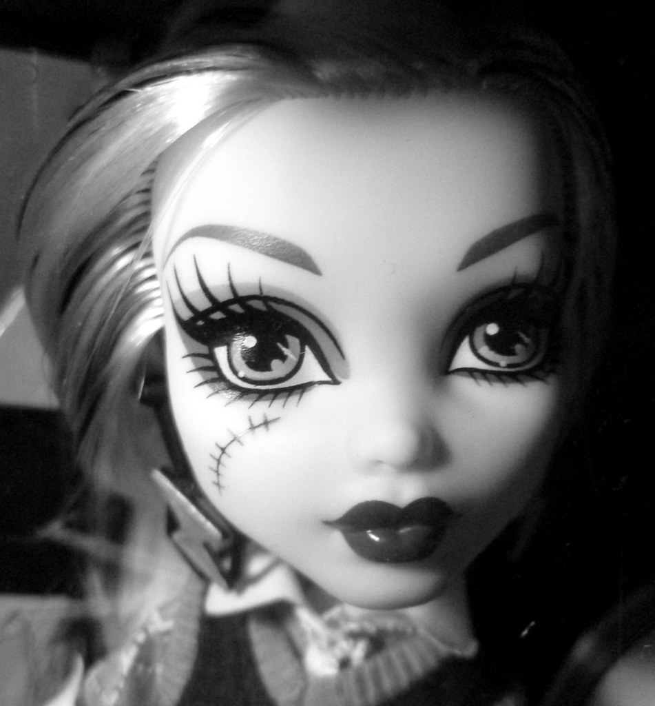 pictures of monster high dolls ooak repaint monster high frankie doll on ebay auction monster pictures of dolls high